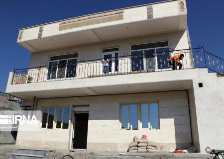 بازسازی ۲۹۶۵ واحد مسکونی و دامی زلزلهزدگان میانه و سراب تمام شد