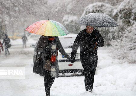 بارش باران و برف آذربایجانشرقی را فرا میگیرد