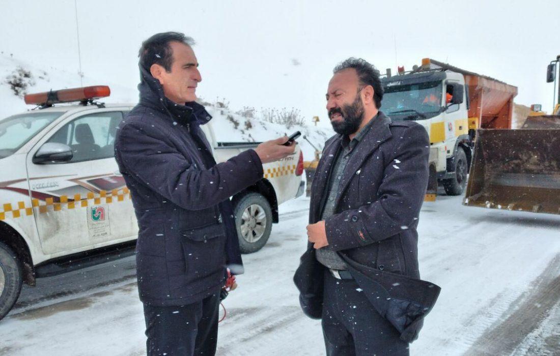 برف ۱۰۰ روستا در بستان آباد را محاصره کرد