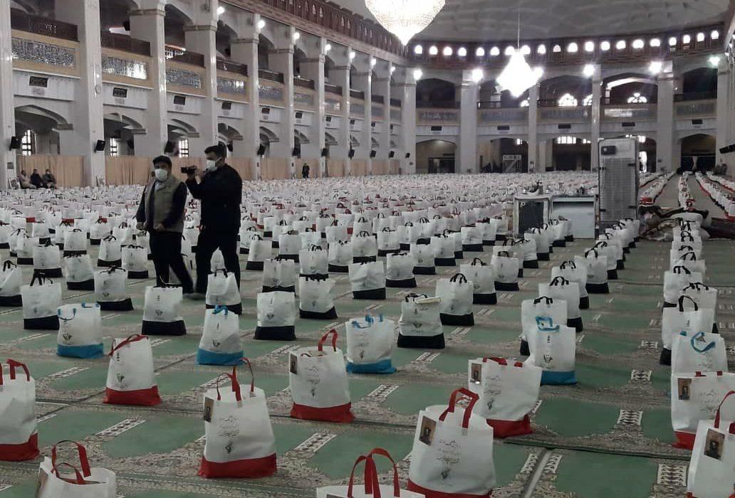توزیع ۶ هزار بسته معیشتی دیگر به مناسب سالگرد شهادت سردار سلیمانی/  سپاه یاریگر خانوادههای آسیبپذیر از کرونا