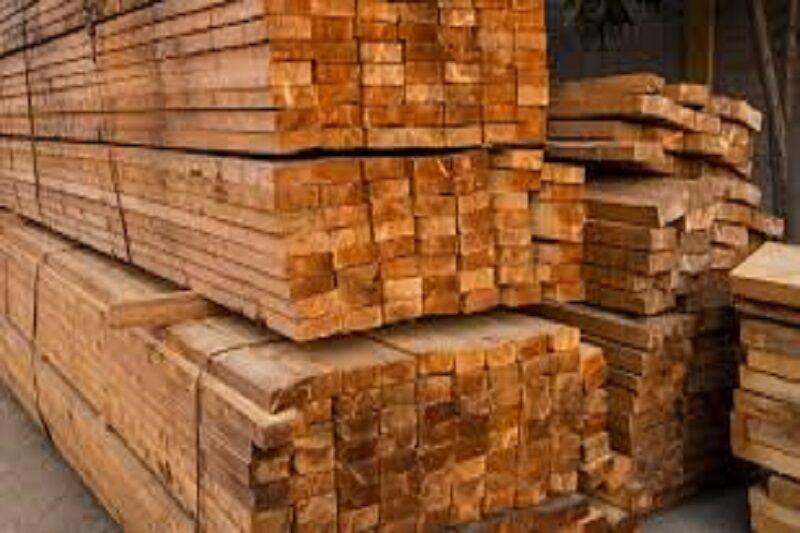 انبار احتکار چوبآلات جنگلی در اردبیل کشف شد