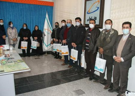 اهدای جوایز برندگان کمپین پائیزی مشترکین خوش حساب همراه اول آذربایجان شرقی