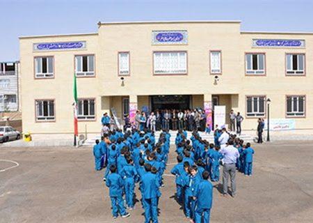 حضور دانشآموزان در مدارس شهری اهر ممنوع شد