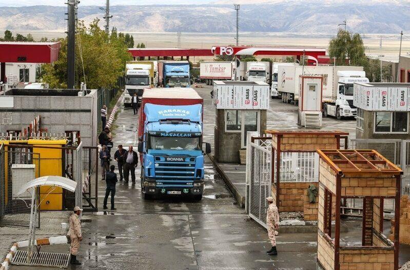 پایانه مرزی بازرگان رتبه نخست کشور را در تردد کامیونی کسب کرد