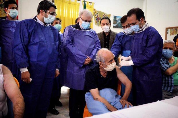 تضمین سلامت سالمندان در آذربایجان شرقی با واکسیناسیون