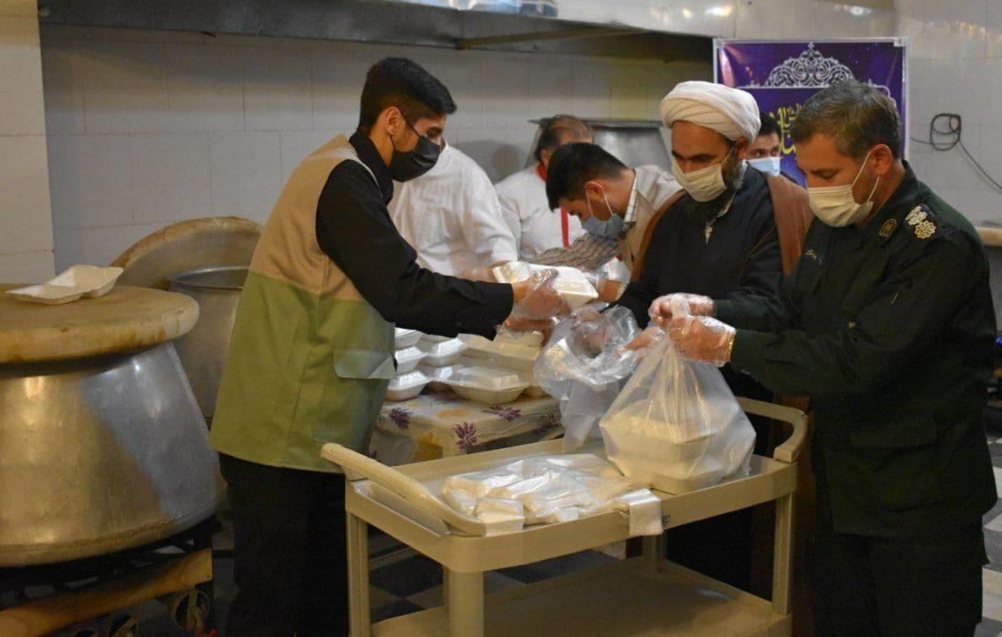 توزیع ۵ هزار بسته معیشتی و ۲۰ هزار پرس غذای گرم در ماه مبارک رمضان
