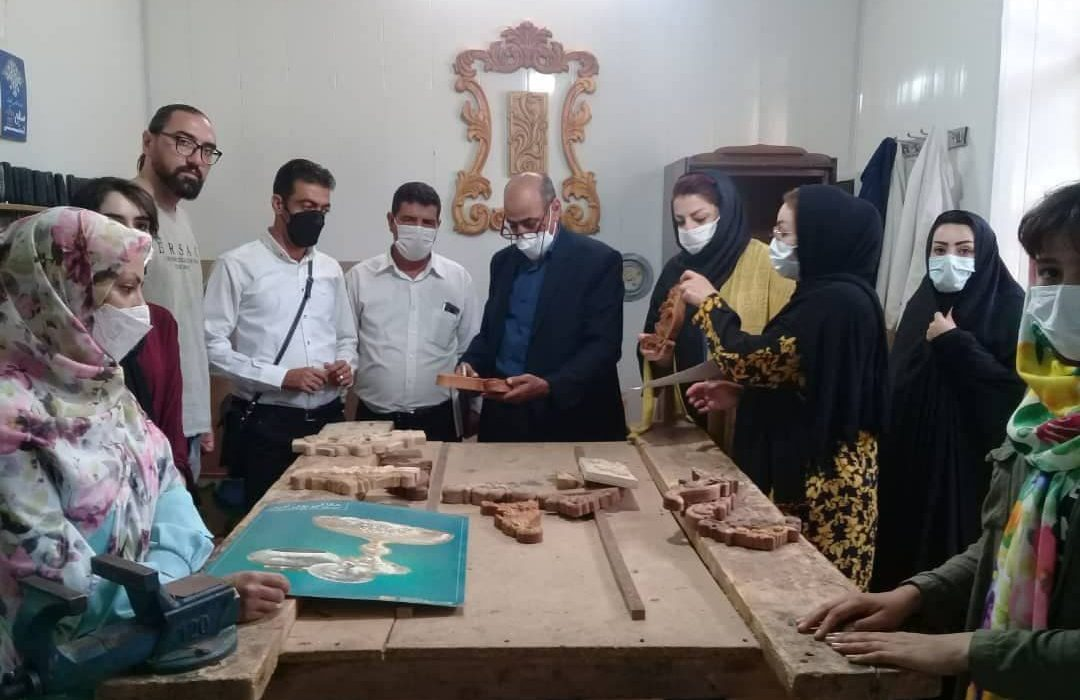 آموزش ۷ رشته هنری برای ۸۰ بانوی هنرجو در شهرستان مرند