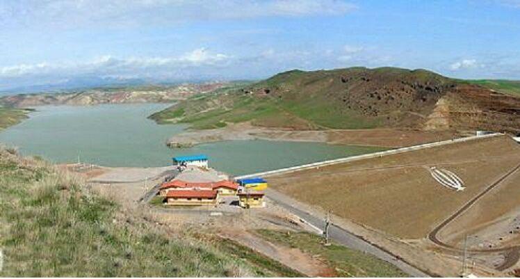 استاندار آذربایجان شرقی بر تکمیل ایستگاه پمپاژ پایاب سد سهند تاکید کرد