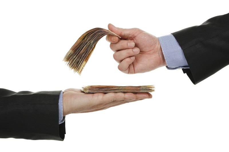 بازی دو سر باخت در ماجرای افزایش حقوق ها