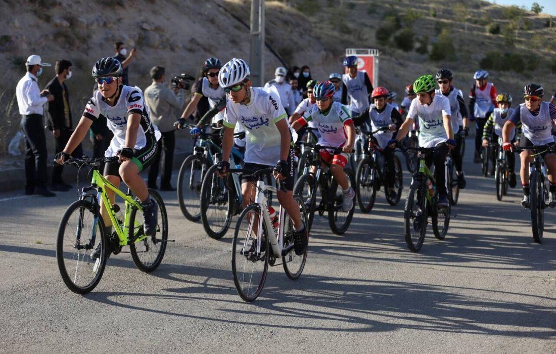 مسابقه دوچرخهسواری گرامیداشت هفته نیروی انتظامی در تبریز برگزار شد