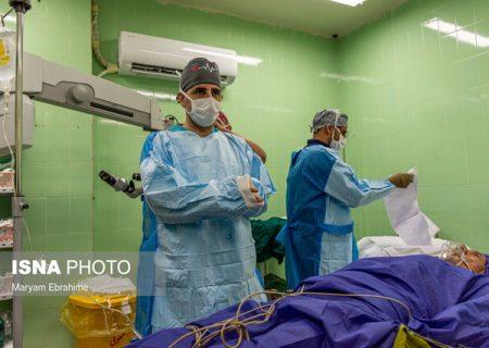 پزشک خیر تبریزی که تاکنون بیش از ۴۰۰۰ عمل رایگان انجام داده است